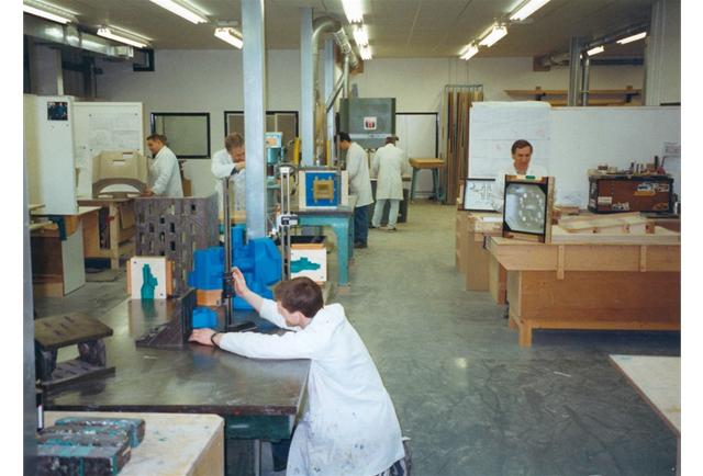 The Patternshop in 2000, well equipped and busy!